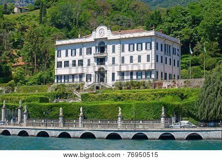 Luxury villa on the Como lake, Italy