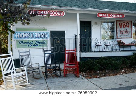 NASHVILLE, TN-NOV 6, 2014: The Hams & Jams Country Market at The Loveless Motel and Cafe in Nashville, Tennessee. Known for southern style cooking and its biscuits, country ham, and red-eye gravy.