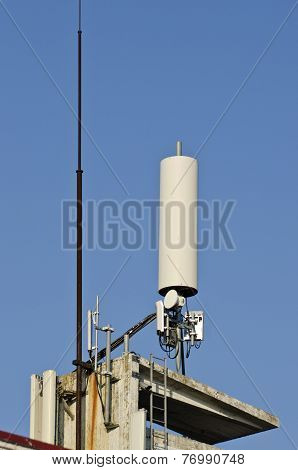 Antenna Communication Device On Roof