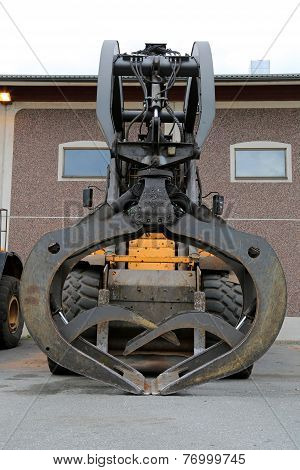Volvo Loading Shovel With Industrial Size Grapples