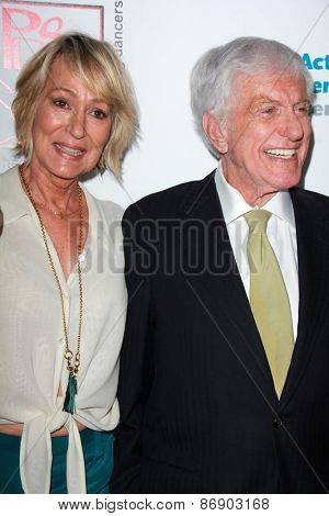 LOS ANGELES - MAR 29:  Sandahl Bergman, Dick Van Dyke at the 28th Annual Gypsy Awards Luncheon at the Beverly Hilton Hotel on March 29, 2015 in Beverly Hills, CA