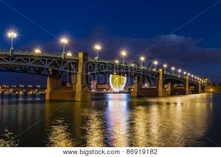 Night Shot Of The Pont Saint-pierre