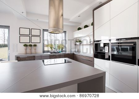 Bright Beauty Kitchen