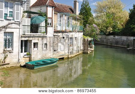Tonnerre France