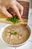 picture of scallion  - adding cut scallion to  chicken porridge - JPG
