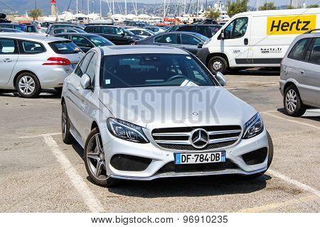 Mercedes-benz W205 C-class