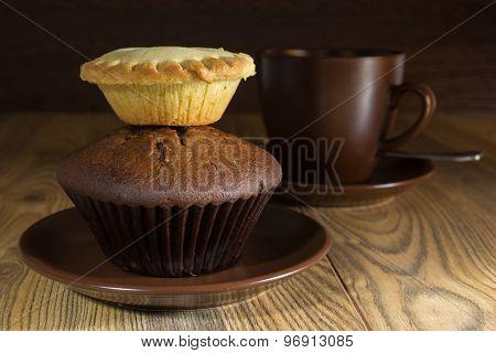Chocolate Cake And Cream Cake