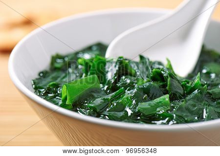 Traditional Japanese soup made of seaweed wakame