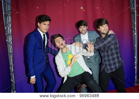 LOS ANGELES - JUL 22:  Anthony Padilla, Ian Hecox, wax figures at the