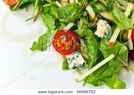 Green Salad With Gorgonzola
