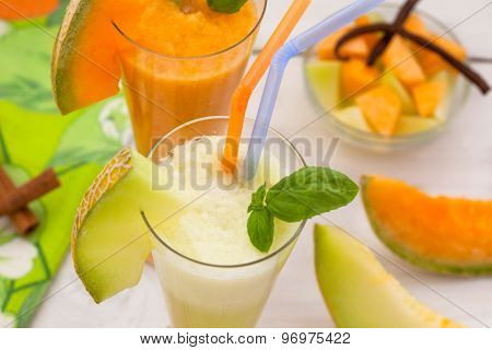 Melon smoothies with fresh melon
