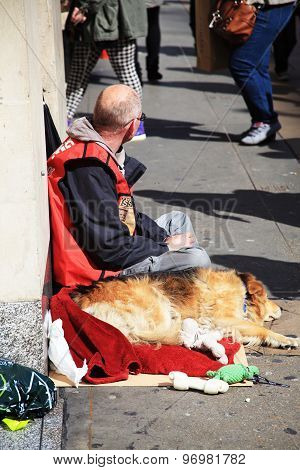 Homeless Big Issue vendor