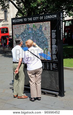 Welcome to London information sign