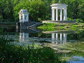image of ekaterinburg  - rotunda on the pond - JPG