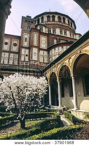 Santa Maria Delle Grazie, Cloister
