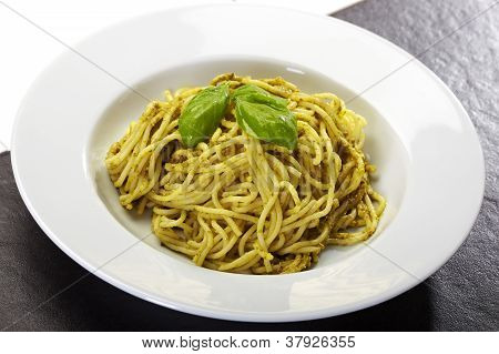 Pasta Spaghetti Pesto With Basil
