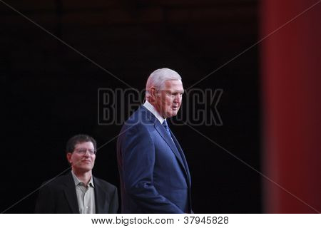 San Francisco, Ca, Oct 1, 2012 - Legendary American Basketball Player Jerry West (right) Welcomes Or