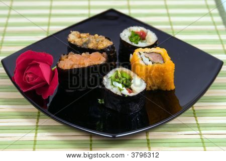 Plate From A Susi And Roll With Rose