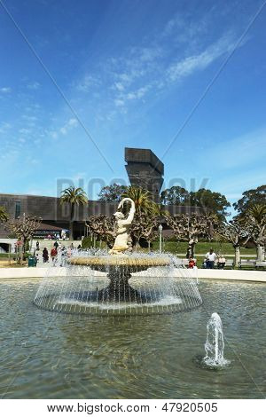 The Rideout Memorial Fountain in the front of  De Young Museum in San Francisco