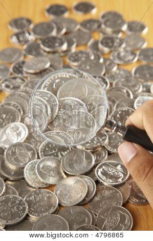 Magnifier Onn Coin