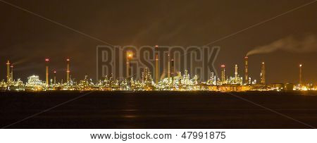 Singapore Oil Refinery and Manufacturing Plants