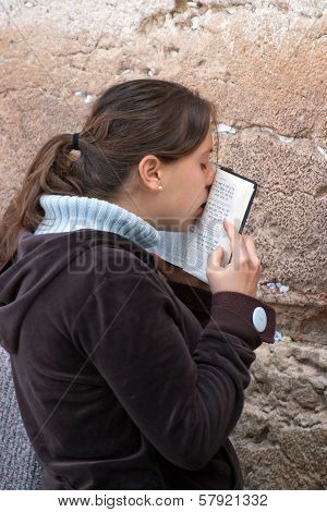 Jerusalem, Israel - March 14, 2006: A Woman Prays At The Wailing Wall.