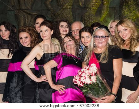 MOSCOW - JUNE, 26: T.Mikhalkova, N. Mikhalkov, T.Semina and models. ��¡harity  foundation Russian Siluet. Fashion show  at the Russian Academy of art . June 26, 2014 in Moscow, Russia