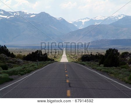 straight long american road