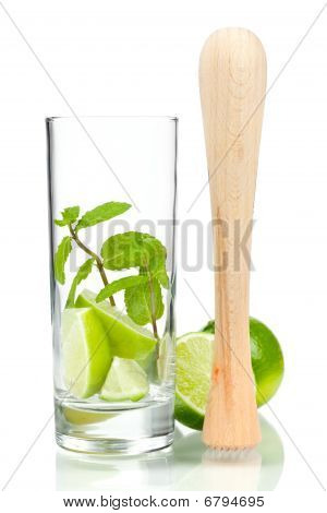Mojito Mix: Lime, Mint In Glass And Muddler