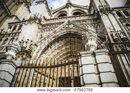 Tourism.Cathedral of Toledo, imperial city. Spain