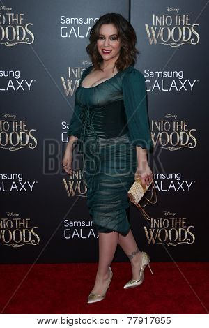 NEW YORK-DEC 8: Actress Alyssa Milano attends the