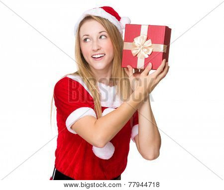Xmas girl guesses what's in giftbox