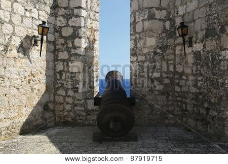 Ancient Gun In The Fortress Protecting The City Of Hvar.