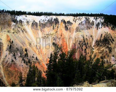 The colorful Grand Canyon of Yellowstone (Wyoming, USA)