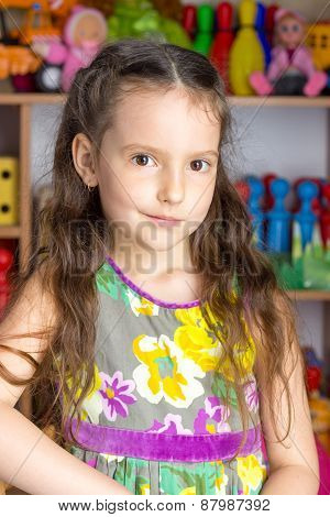 Girl 6 Years Brunette, Colorful Dress