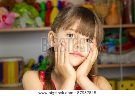 6 Years Old Girl Blond Hair, Red Dress With White Polka Dots