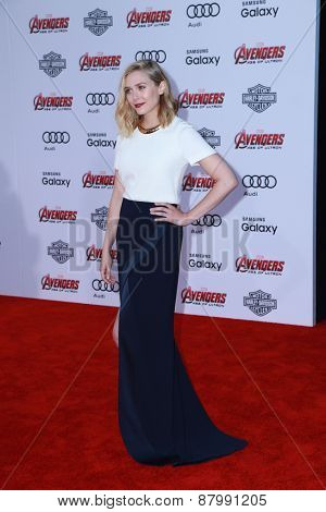 LOS ANGELES - FEB 13:  Elizabeth Olsen at the
