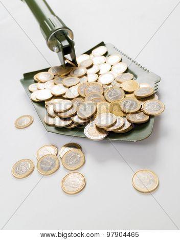 Shovel up money
