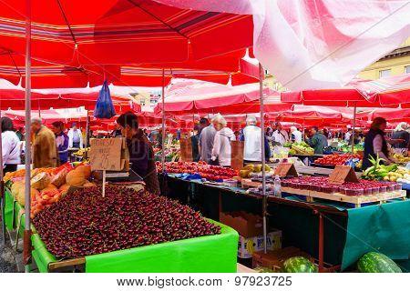Market Scene, Zagreb