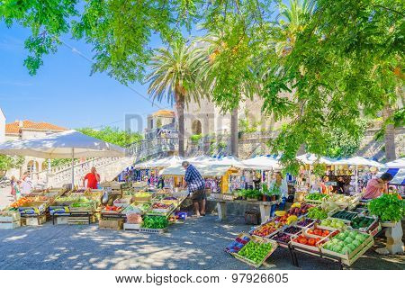 Market Scene, Korcula