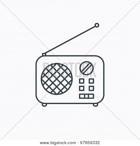 Radio icon. Retro musical receiver sign.