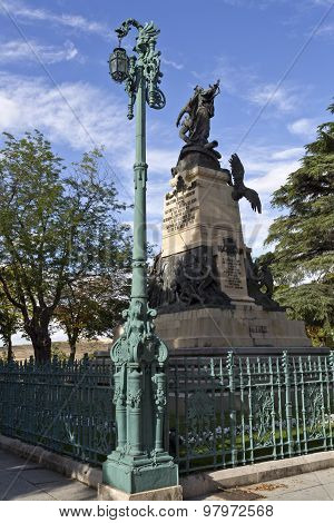 Segovia Lamppost And The Monument To The 2Nd Of May Rebels