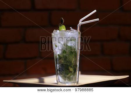 Cold Alcoholic Mojito