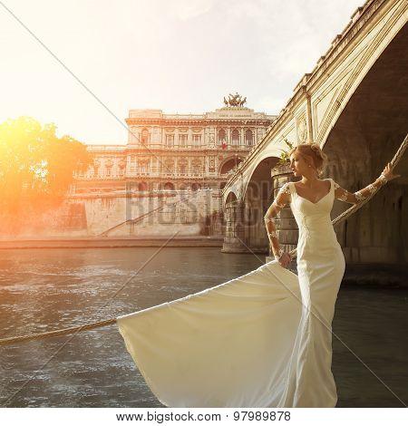 Beautiful Bride Near Corte Di Cassazione