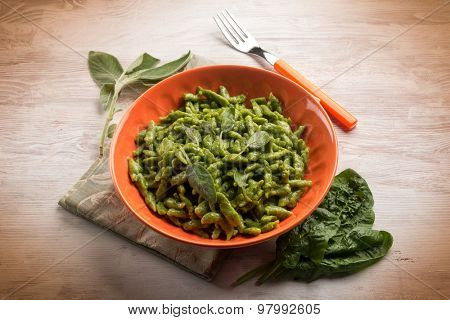 spatzli with sage and butter, traditional italian recipe