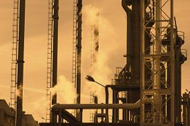 picture of refinery  - oil industry refinery - JPG
