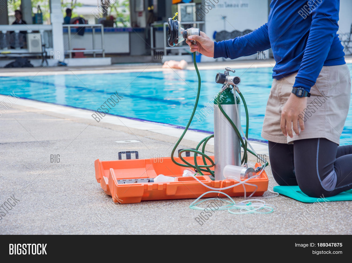 Man show oxygen mobile mask demand image photo bigstock for Pool man show