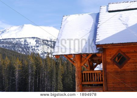 Log Mountain Cabin