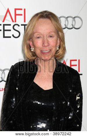 LOS ANGELES - NOV 8:  Doris Kearns Goodwin arrives at the
