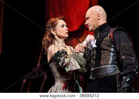 MOSCOW - FEBRUARY 3: Actress Olga Vorozhtsova and actor Evgeniy Aksenov in musical